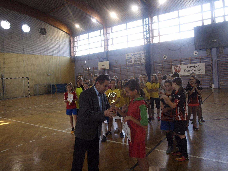 Piłka nożna halowa dziewcząt - zawody powiatowe