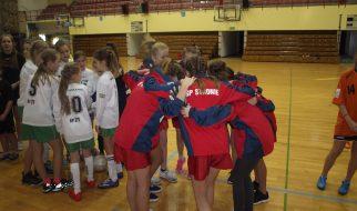 Piłka nożna halowa dziewcząt 2016